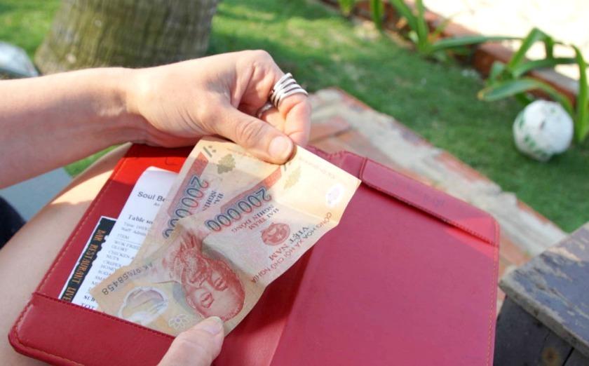 Rahan nostaminen ja vaihtaminen ulkomailla matkaopas vapauteen